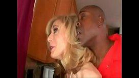 Nina Hartley dando para o fugitivo Negão sandra otterson interracial