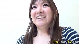 Hairy japan hos urinating...
