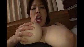japanese milf big tits masturbating