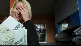 Amateur blonde Eurobabe Yenna banged ...