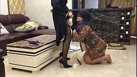 风情艳主豪宅调教朋友圈里的变态富姐这逼舔的很是让人嫉妒