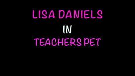 NEW ! Lisa Daniels gets a facial fro ...