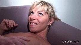 Maman francaise grave sodomisee et couverte de sperme pour son casting amateur pornharmoney