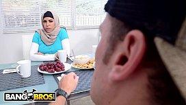 BANGBROS - Watch Mia Khalifa...