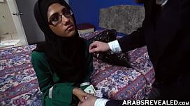 Beautiful arab babe blows...