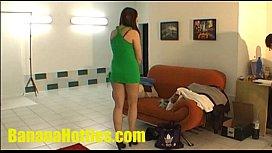 Sexy amateur does striptease...