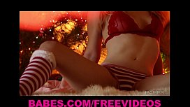 Alaina Fox rubs herself...