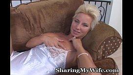 Mature Hottie Opens Her...