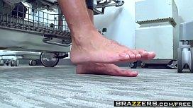 Brazzers - Doctor Adventures - Brooke...
