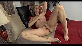 Mature Show Her Huge...