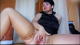 Hot Mature mastrubate Squirt...