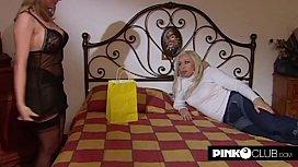 Blondie and Antonella Del Lago in a lesbian scene
