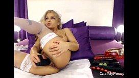 Webcam Blonde Milf Dildoing...