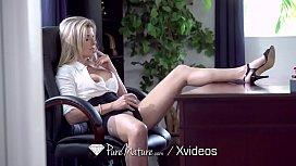 PUREMATURE Round booty secretary...