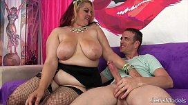 Hot chubby girl gets...