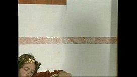 Ursula Moore - Caligulautsch