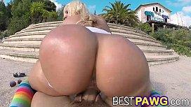 Blondie Fesser Puts Her...