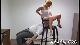 Non-professional smothering femdom