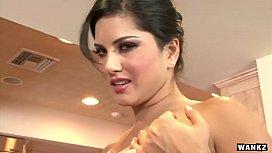 WANKZ- Sunny Leone Gets...
