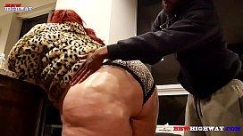 Pearshaped ssbbw Nikki Cakes...