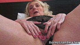 Old granny gives blowjob...