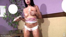 Big ass feminine tranny...