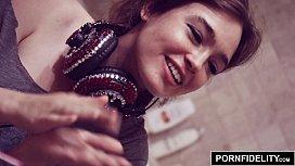 PORNFIDELITY - Nerd Girl Jodi...