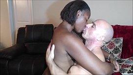 Kissing Naejae...