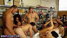 Bi orgy dude guzzles...