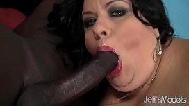 Fat ass with big tits takes black cock contactos sex