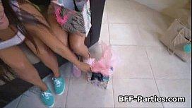 Three teens licking pussy...