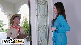 BANGBROS - Busty Cougar Ariella Ferrera Trades Her Pussy For Lil D