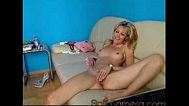 SophieMoone masturbate and cums...