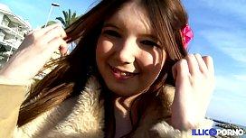 Angela Kiss, Petite princesse...