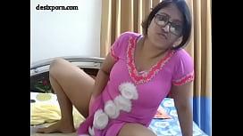 Indian bhabi showing boobs...