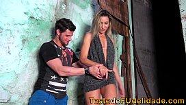Gostosa chupando pau na favela porn dude.com