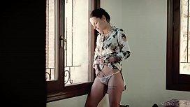 VivThomas - Nikita Bellucci recalls...