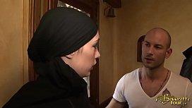 Leila Abdel Beurette Tour...