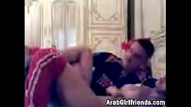 Fingerfing makes Arab girlfriend horny multporm