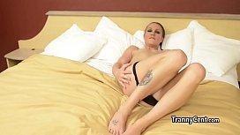 Small tits tranny mastubates...