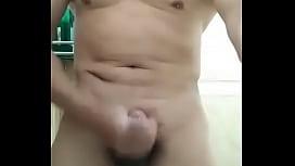 Vietnamese muscle daddy cumshot...