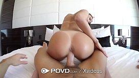 Video pornô amador vadia rabuda fodendo escondido caiu na net