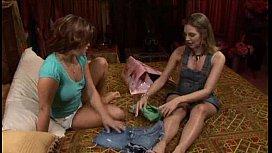 Kaci and Brianna are sensual muff di ...