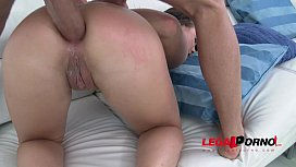Taylor Sands goes crazy for anal pounding SZ935