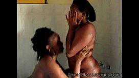 African hottie gets orally...