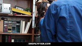 ShopLyfter - Brunette teen Strip...