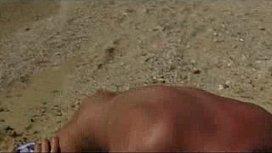 Follada en la playa...
