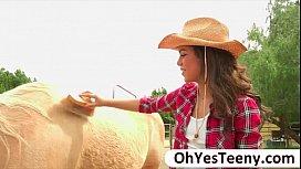 Gabriella releases a cowboys huge di ...