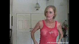 Tia abusada fodendo com o seu sobrinho tarado