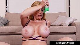 Bubble Butt Milf Sara...